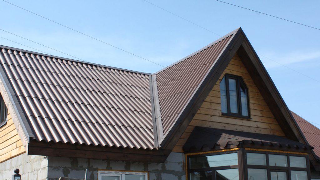 Многошипцовая крыша из шифера