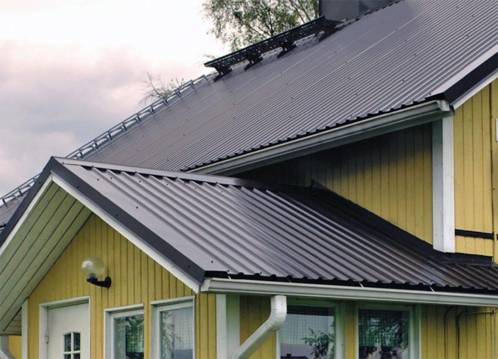 двухскатная крыша из профнастила