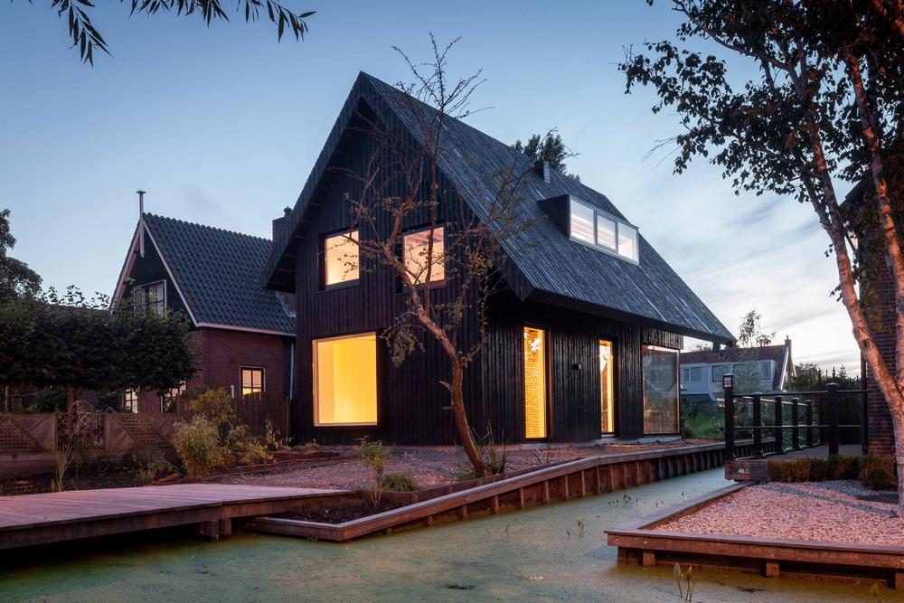 деревянная двухскатная крыша