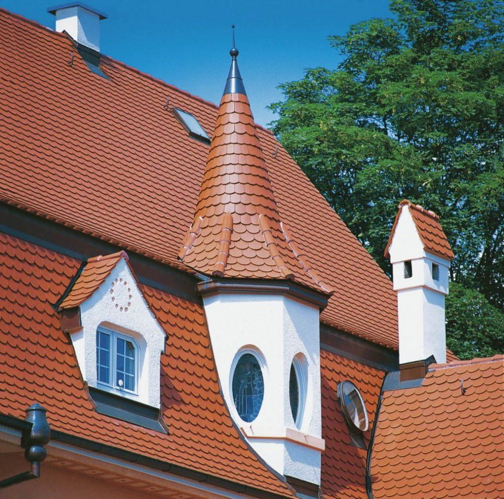 коническая крыша из керамической черепицы