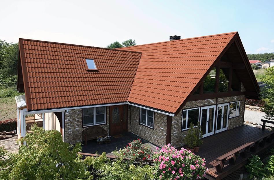 многощипцовая крыша из металлочерепицы