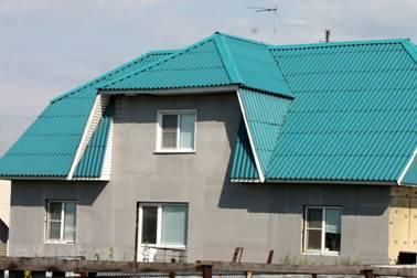 полувальмовая шиферная крыша