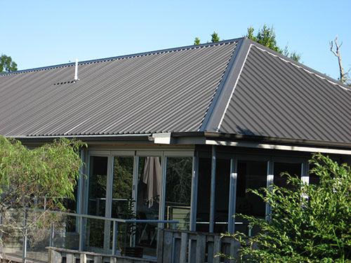 четырехскатная крыша из профлиста