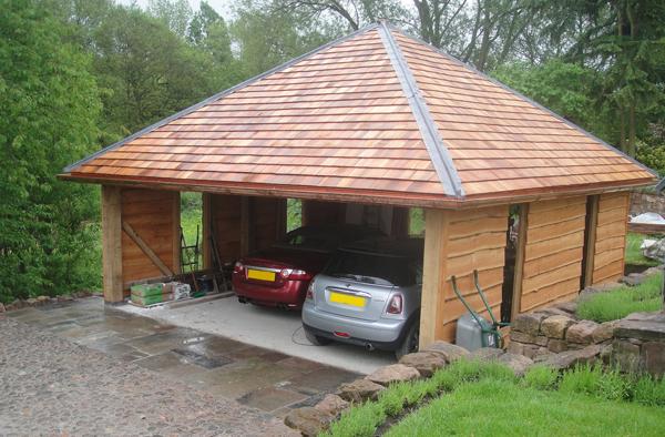 шатровая деревянная крыша