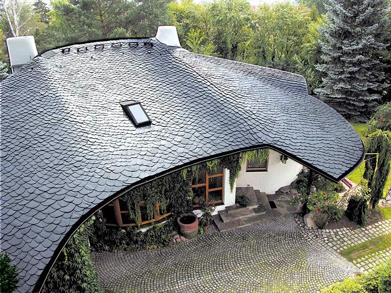 сводчатая крыша из кровельного сланца